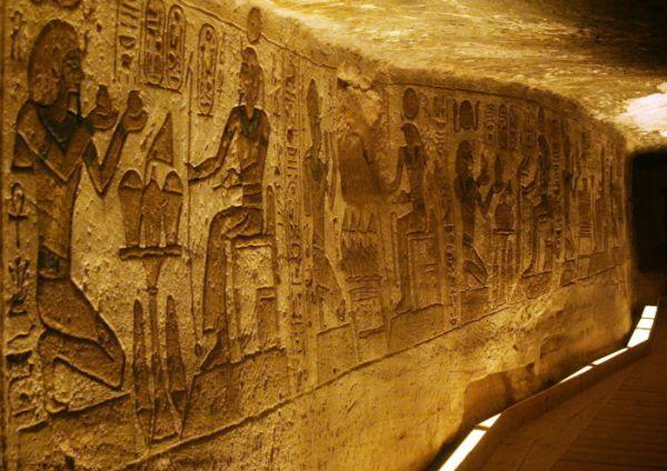 Ramesses-II-Temple-Touring--Aswan--Egypt Abu Simbel making offerings to higher self